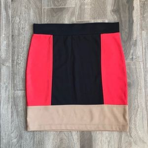 🎊2/$15 ON ALL SKIRTS 🎊 color block pencil skirt